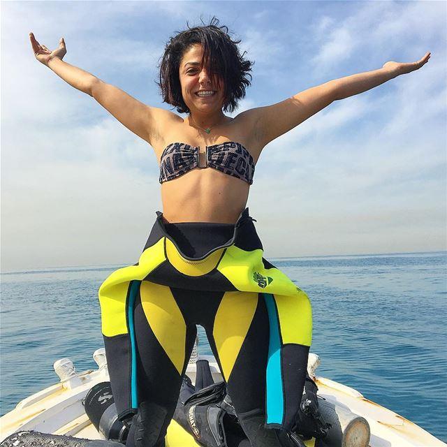 Heading towards paradise 💙Sundays best spent 🌊 drivenbypassion diving... (Saïda, Al Janub, Lebanon)