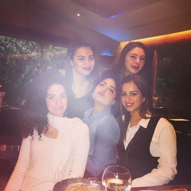 When we hang out 🙆🏻 lebanon girlsnightout whatsuplebanon ... (Mandaloun Sur Mer)