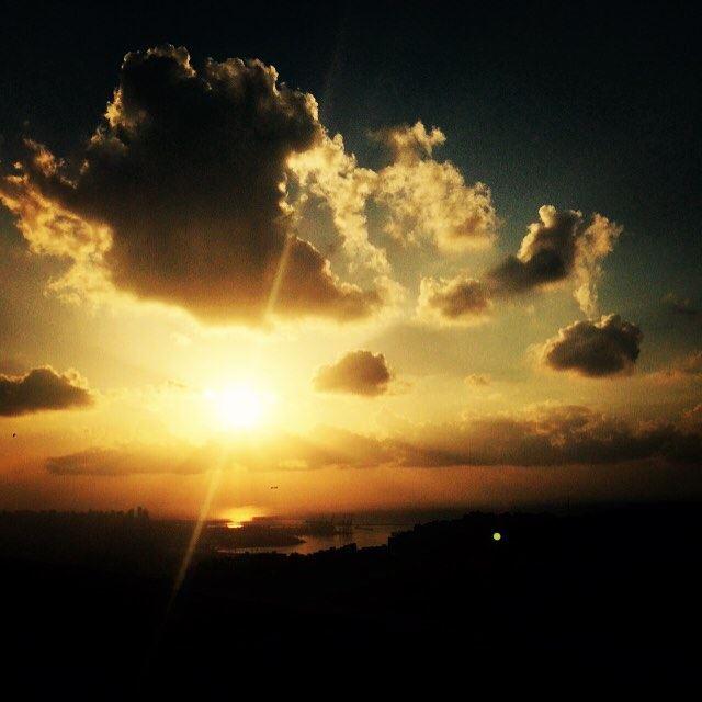 The Sun meeting the clouds over Beirut soleil sol solis արեւ 太阳 ...