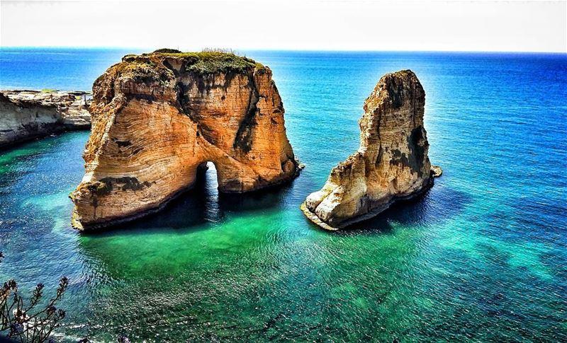 bayrock bayview raouché rouche rawche beirut lebanon ... (BayRock Raouche - Beirut)