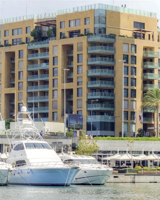 Miami? Dubai? Não, isso é Beirute (Zaytouna Bay) 🇱🇧 Miami? Dubai? No,... (Zaytouna Bay)
