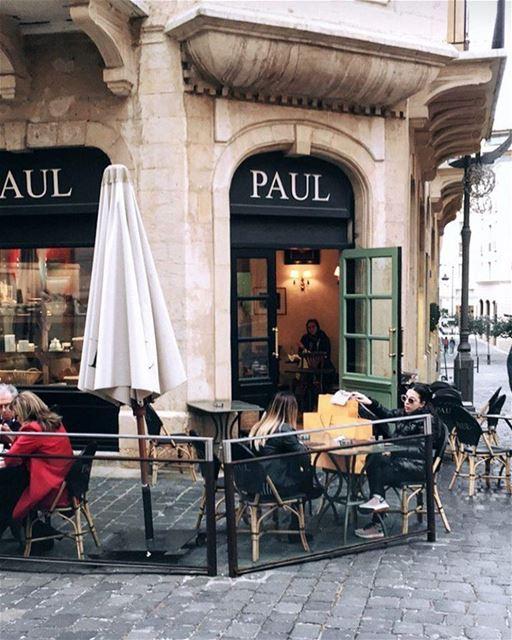 Pausa em um dos muitos cafés internacionais localizados em Downtown, a... (Paul Downtown)