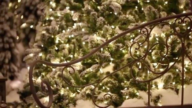 Hotel Phoenicia ainda mais bonito decorado para o Natal, neste vídeo... (Phoenicia Hotel Beirut)
