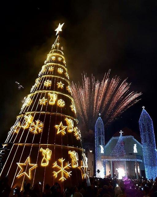Todas as cidades do Líbano se orgulham de ter a sua própria árvore de...