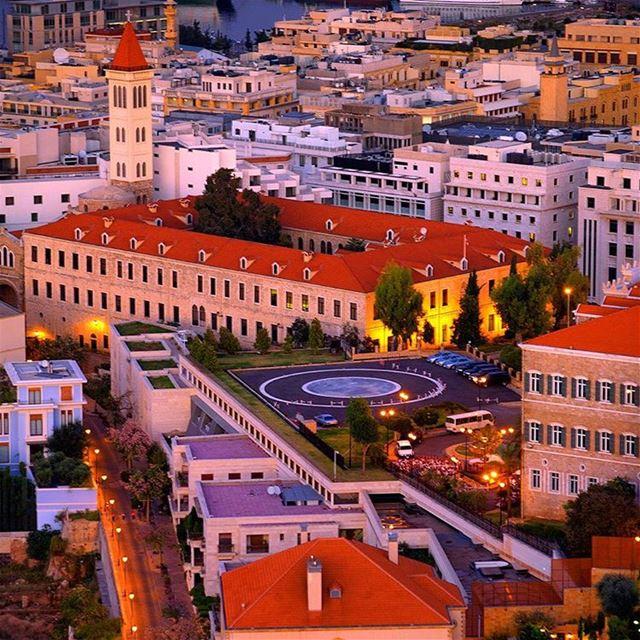 Amanhecendo em Beirute! Linda vista para a Rue de France, complexo... (Downtown, Beirut, Lebanon)