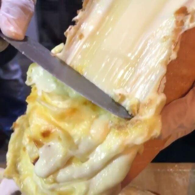 O verdadeiro significado do queijo derretido! Quem se importa com as... (Souk el Akel)