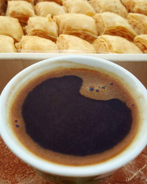 الحب ...أن أكتفي بك ولا أكتفي منك ..... قهوتي_عشقي قهوه قهوه_عربيه روقان