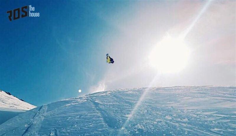 Major air goals for your morning appetite 😋@rudy.antonios.... (Mzaar Kfardebian Ski Resort)