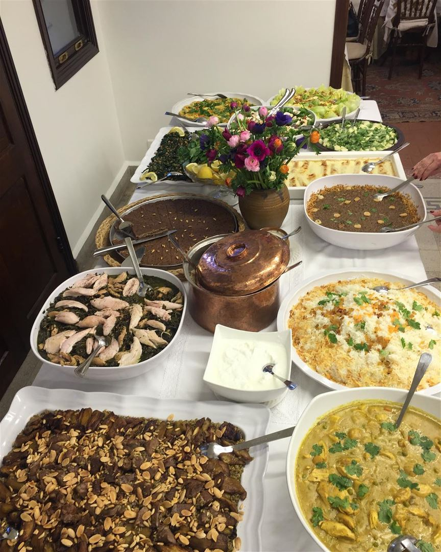Don't miss @ashghalouna's Friday lunches !! 😋 Lebanese widows prepare... (Zarif)