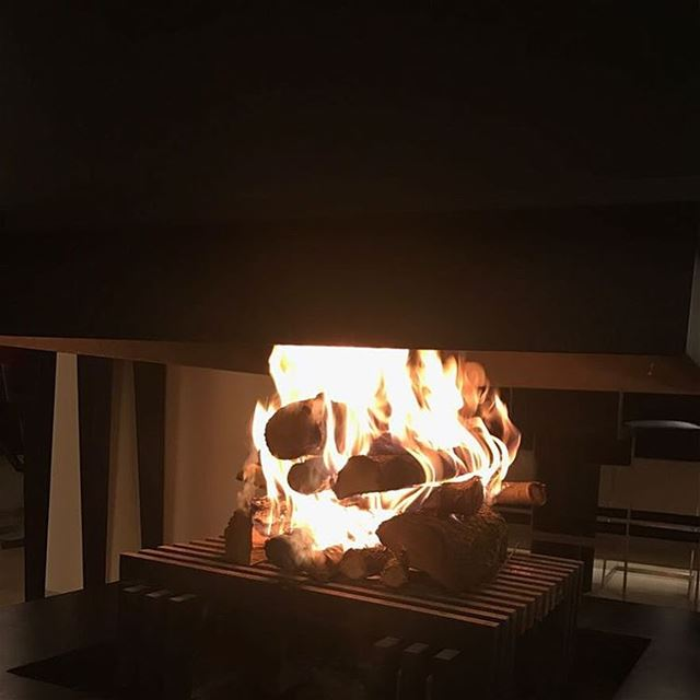 Cold weather ❤️! A cozy and warm fire 🔥🔥 photooftheday ... (Faqra Club)