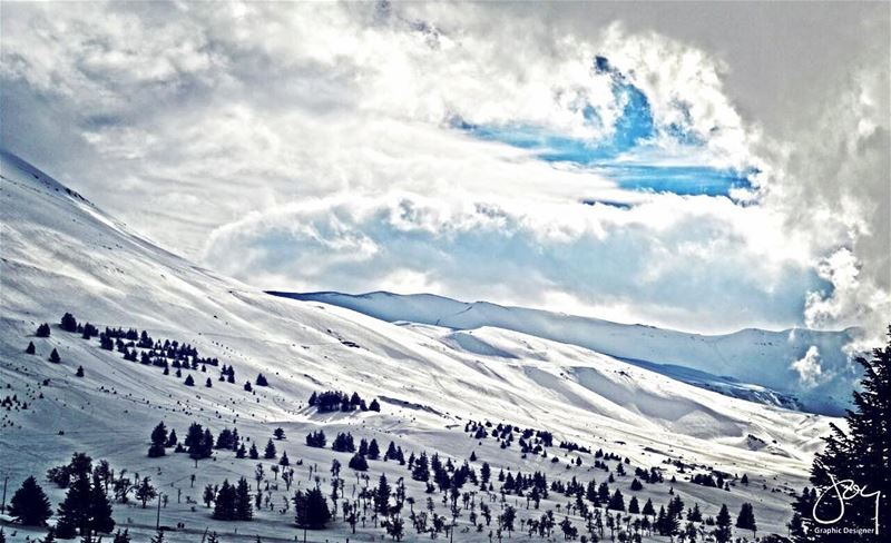 snow monsieurleblanc clouds sky mountains ski cedars trees winter... (Cedars of God)