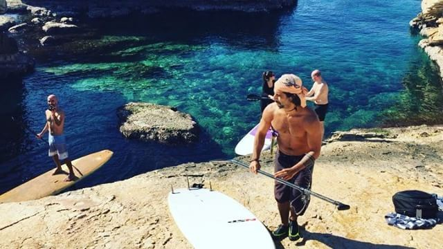 Catch and recycle 😜 when the surfers bring in the plastics from the sea... (Kfarabida Batroun)