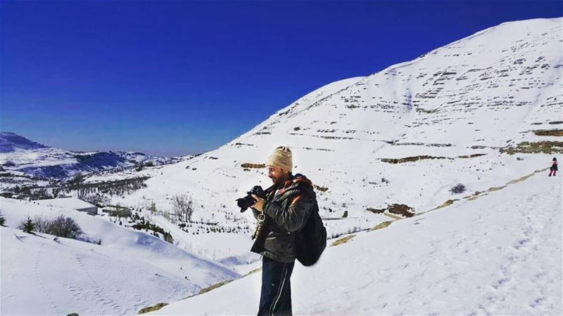 photo me photographer snow lebanon snowshoeing hiking blue sky ...