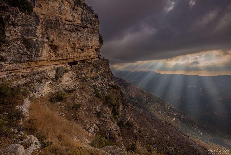 Another angle for niha's cave niha shouf lebanon canonme 10452 ... (Niha Al Chouf)