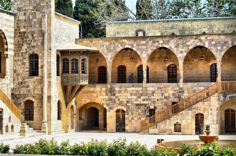 lebanon lebanese livelovelebanon livelovebeirut livelovearchitecture ... (Beiteddine Palace)