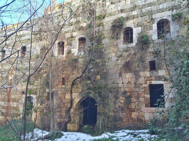 Hidden houses in old... (Akkar AlAtika)