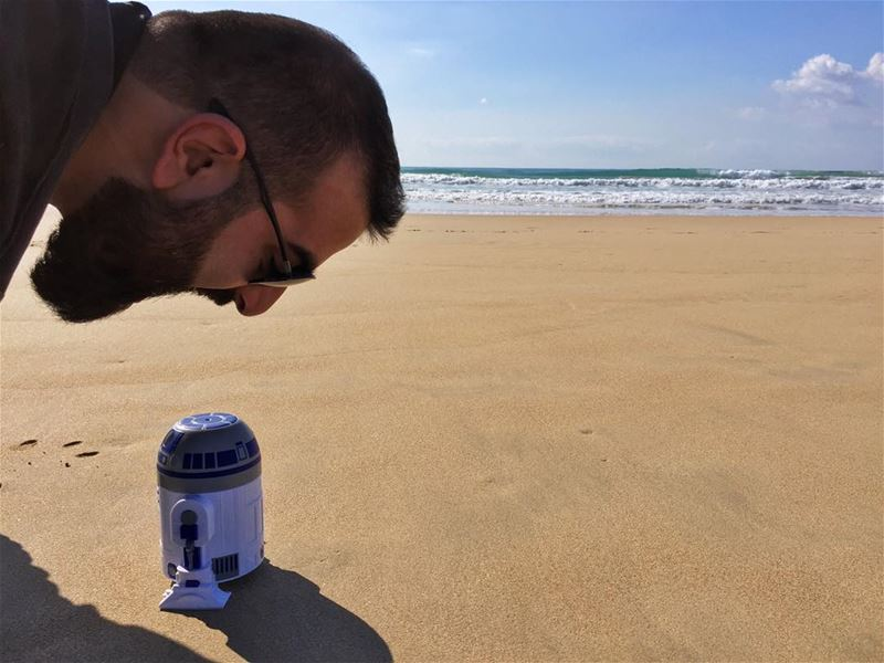 Get in my belly r2d2Photo by: @jubranelias (Tyre-Beach)