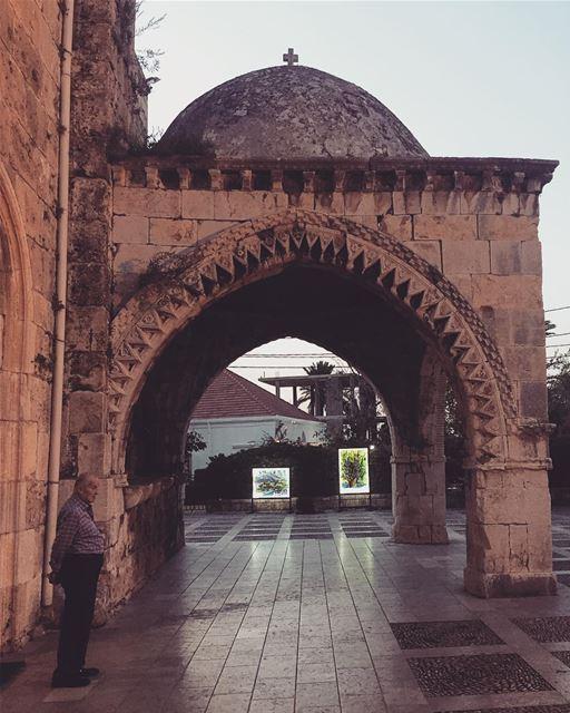 🙏🏼❤️ livelovebyblos architecture architecturedaily ... (St Jean Marc Church, Byblos)