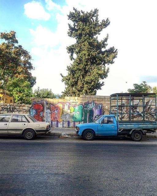 Good Evening 🚛 picoftheday photooftheday street life graphic wall ... (Mar Mikhael, Beirut)
