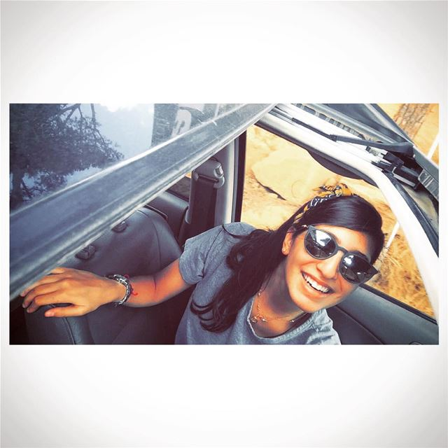▪️▫️ livelovelife ▫️▪️ picoftheday photooftheday selfiestick ... (Zaraaoun)