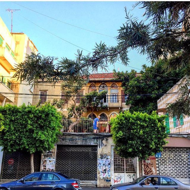 Good morning peeps 🌳🚙🌳🚕🌳 morning architecture lebanonbyalocal lbl... (Mar Mikhael, Beirut)