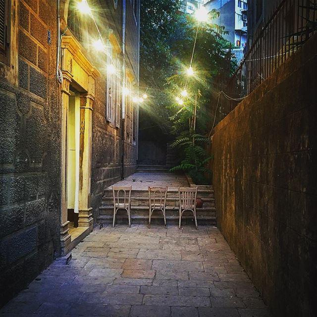 1,2,3...Lune 🌙 night picoftheday photooftheday lbl happiness happy ... (Mar Mikhael, Beirut)