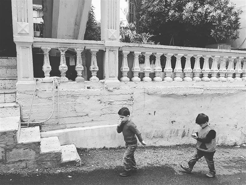🚶🏽🏃🏽 capturedmoments photographing picoftheday photooftheday kids... (Achrafieh, Lebanon)