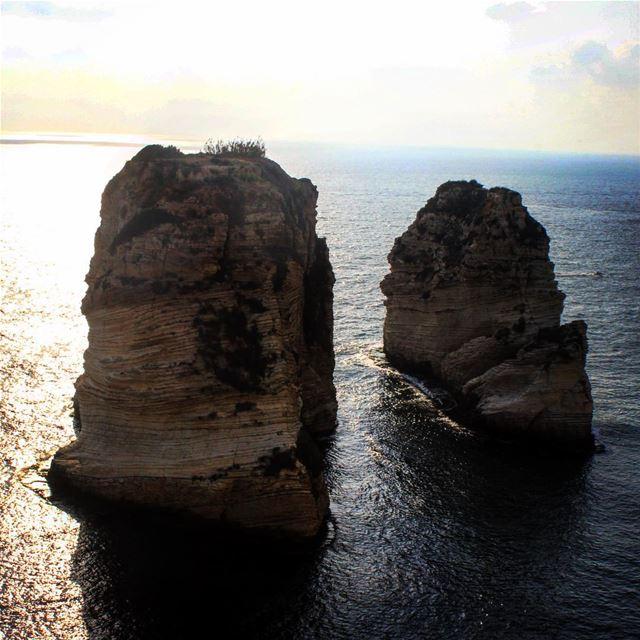 Lebanon rawshe rock sea ...