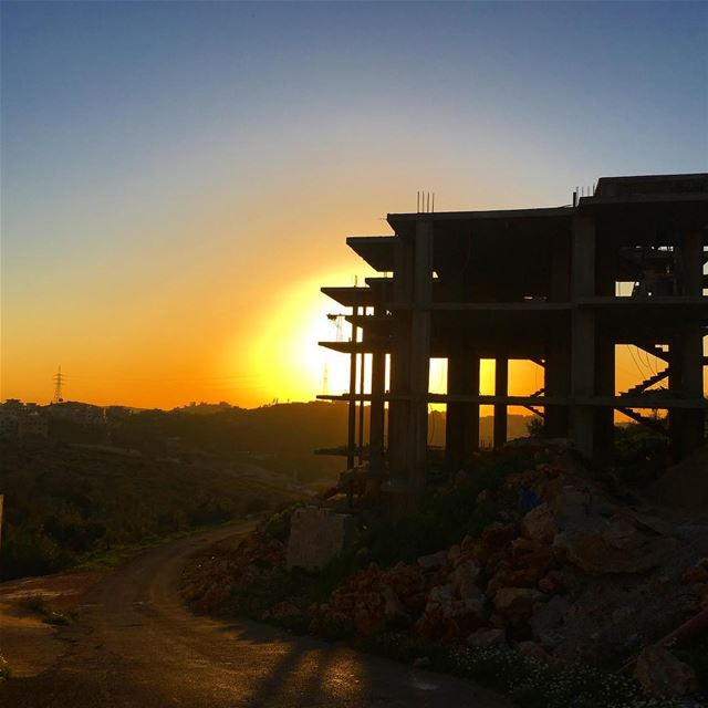 construction building Dalhoun Lebanon dusk ...