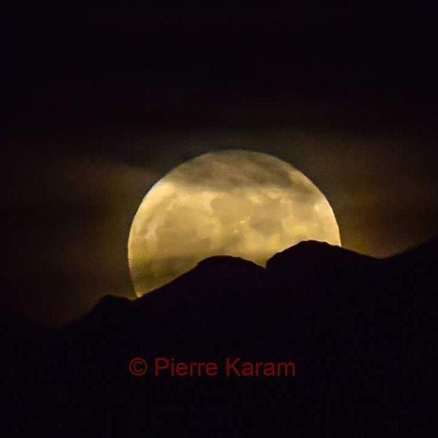 supermoon supermoonlebanon lebanon_hdr lebanon mountains ... (Annaya-mar charbel)