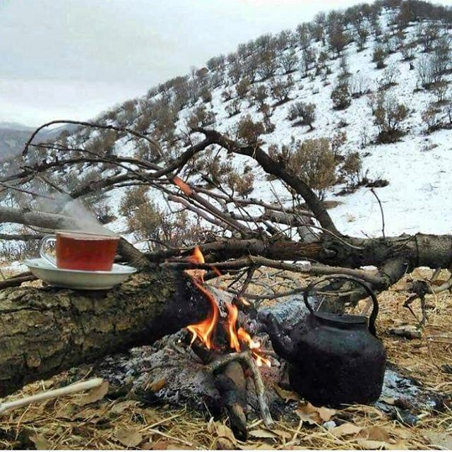 wintertime snowday mountain relaxtime cupoftea fireplace amazingset...