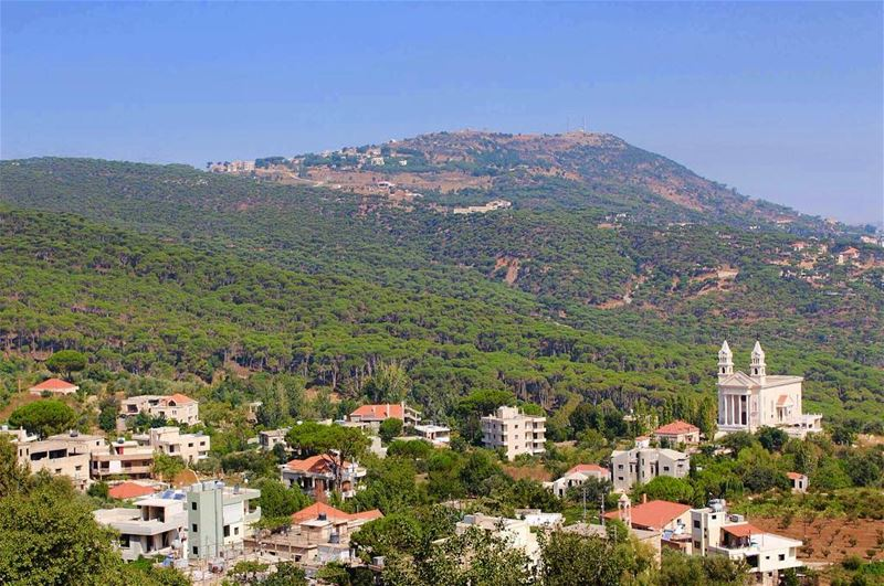 morning wadijezzine  beatifulplace  fairytail  tradtional  houses... (Wadi Jezzein)