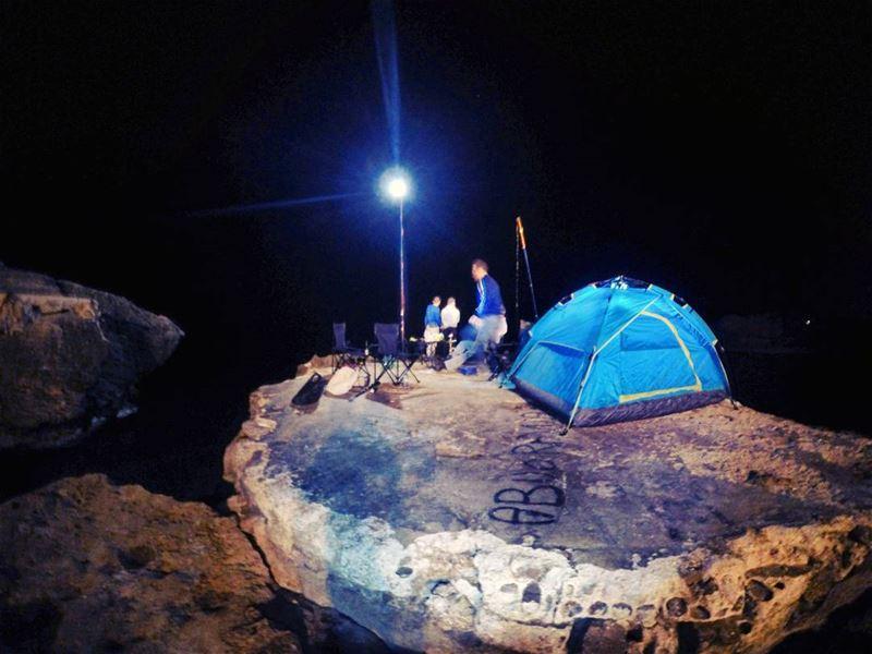 autumn night saturday beach fish fishing cam camping tent rocks cliff... (Kfarabida Batroun)