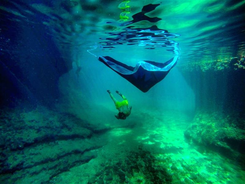 sunday diving dive freediving cave nature cliff underwater hammock...