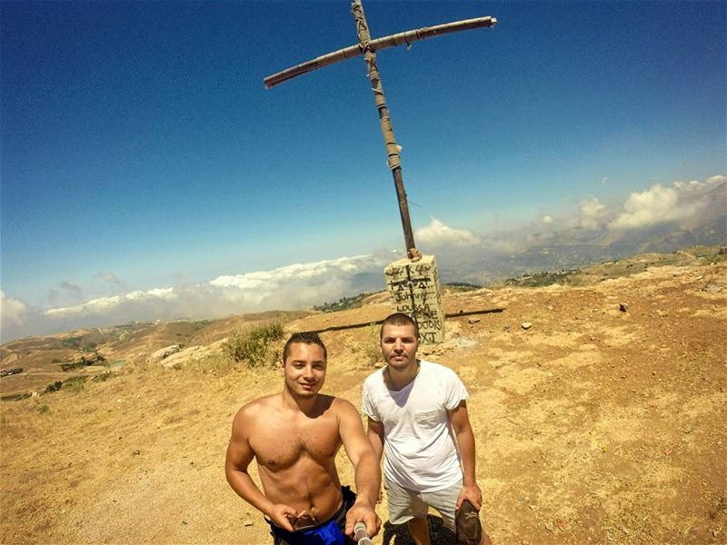 Finding hope in the desert ✞ tb sunday hike camping cross montain nature...