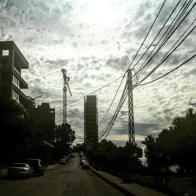 Cloud attack 😱...................... sky clouds silhouettes skyporn ... (Sin el Fil)