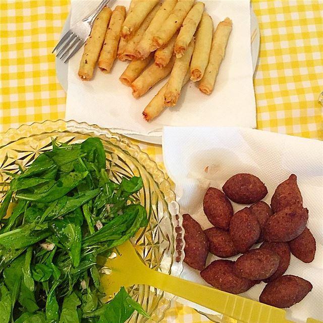 Saturday, simple day! lunch homemade kebbe r2e2etbjebne rocca ... (Jamhoûr, Mont-Liban, Lebanon)