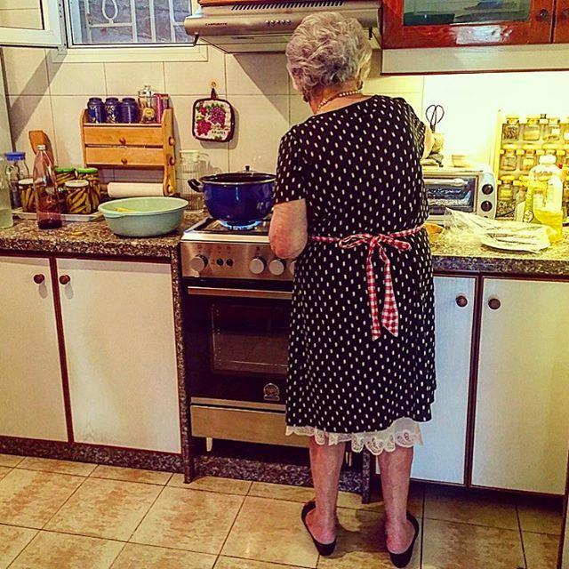 Teta❤️ grandmother kitchen cooking whitehair stove home family ... (Jamhoûr, Mont-Liban, Lebanon)