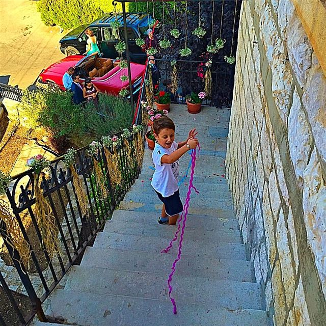 ⚠️ Don't grow up! It's a trap! child happy stairs simplejoysoflife ... (Bikfaïya, Mont-Liban, Lebanon)