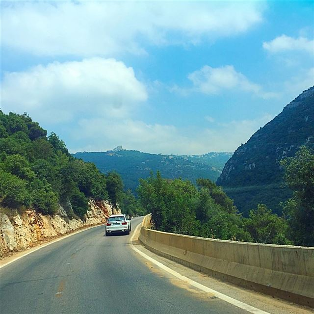 Road trippin' lebanesemountains lebanon road ontheroad driving ... (Lebanon)