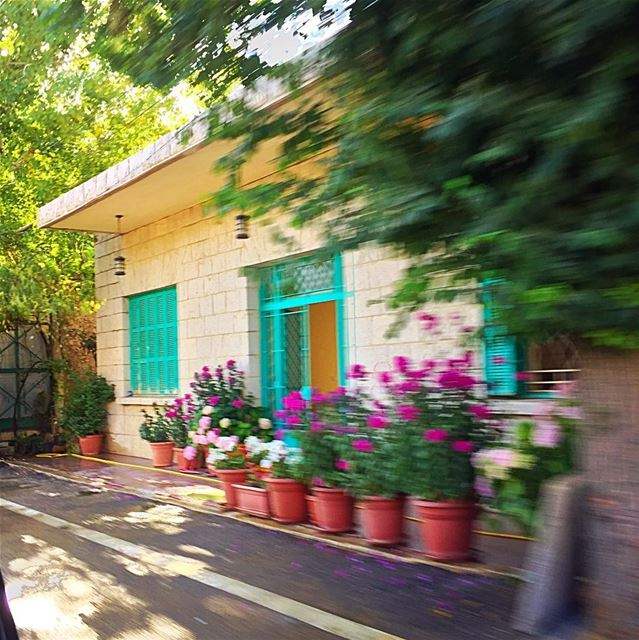 Just passing by lebanon traditionalhouse faraya ontheroad ... (Faraya, Kfardebian)