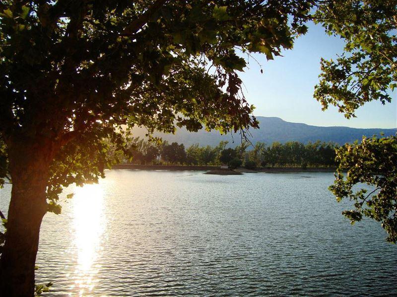 lake of fire .. lebanon bekaa lake nature natureza natura ... (Der Taanayel)