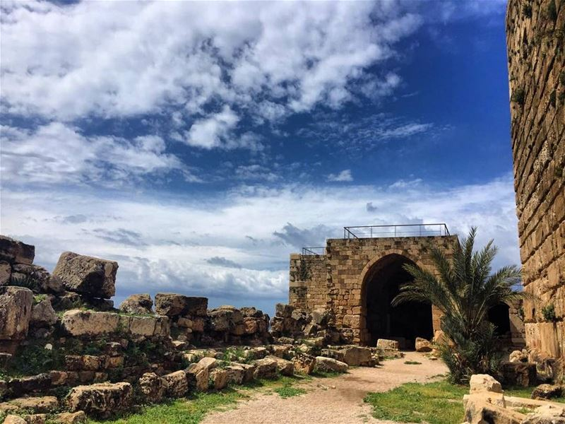💆💆💆 lebanon byblos roadtrip pheonicians old city clouds ...