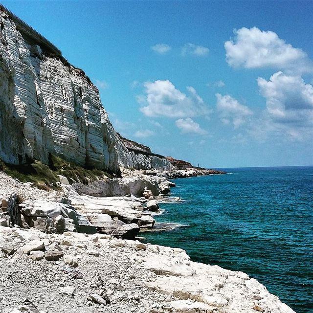 lebanon southlebanon aljanub naqoura tyre cliff calcaire walls ...