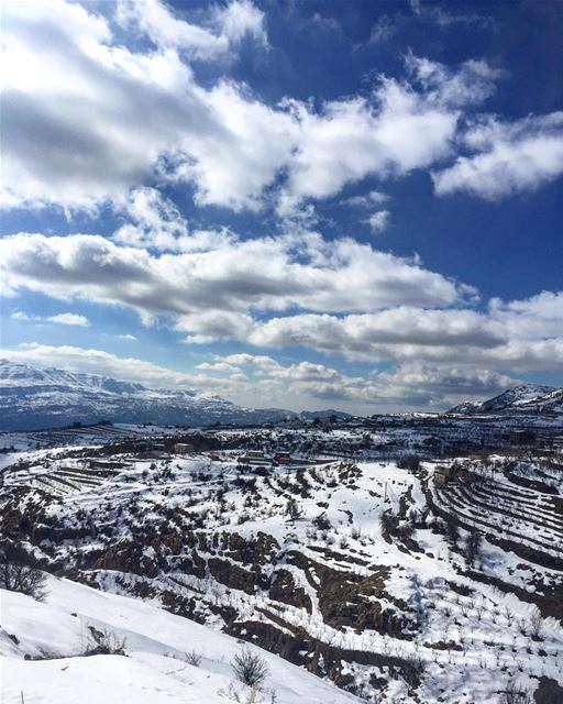 I want to travel the world with you 🤗❤️ snow sunday roadtrip ... (Akoura, Mont-Liban, Lebanon)