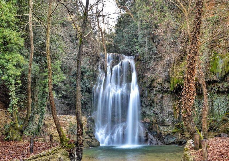 sunday trip waterfall nature river green forest trees longexposure nikon... (Baakline, Mont-Liban, Lebanon)
