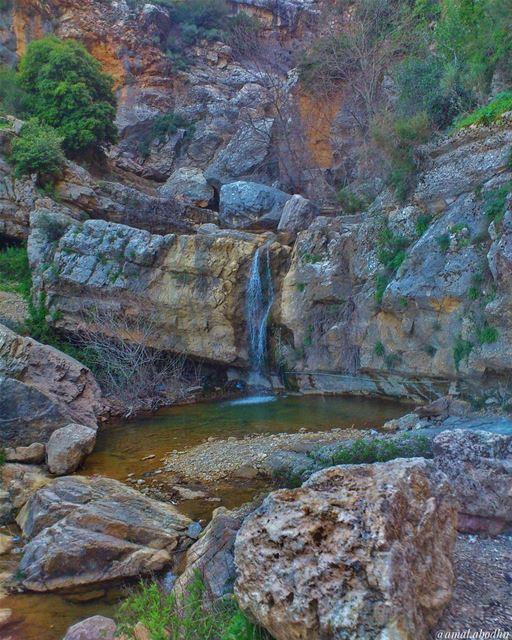 جزين 📷🌄☁ waterfall 👌 (Jezzîne, Al Janub, Lebanon)