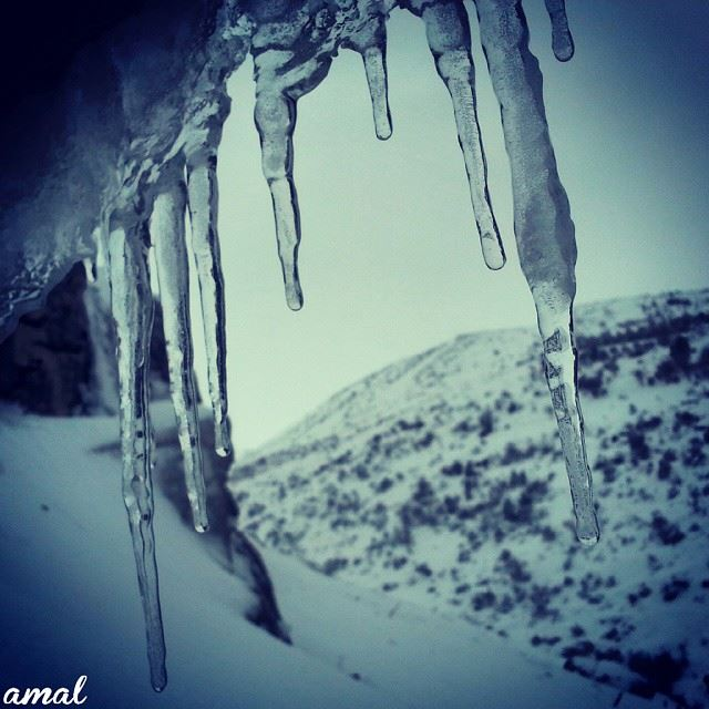 ice beautiful icesickle mountain blizzard cold clouds chilly ... (Hasbaya Home)