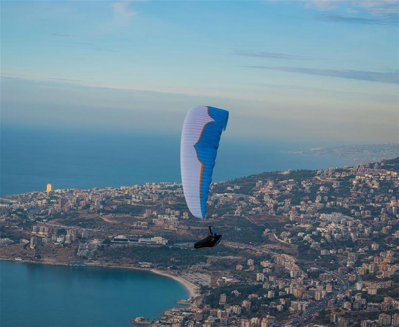 jounieh lebanon flying paragliding parachute sky ... (Harîssa, Mont-Liban, Lebanon)
