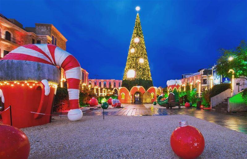 christmas christmastree lebanon beirut lebanon livelovebyblos ... (Byblos)